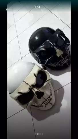 Helm tengkorak fullface, sama di film bad boys