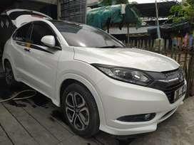 Honda hrv prestige tahun 2016 matik putih