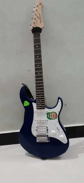 Electric guitar and pedal combo sale