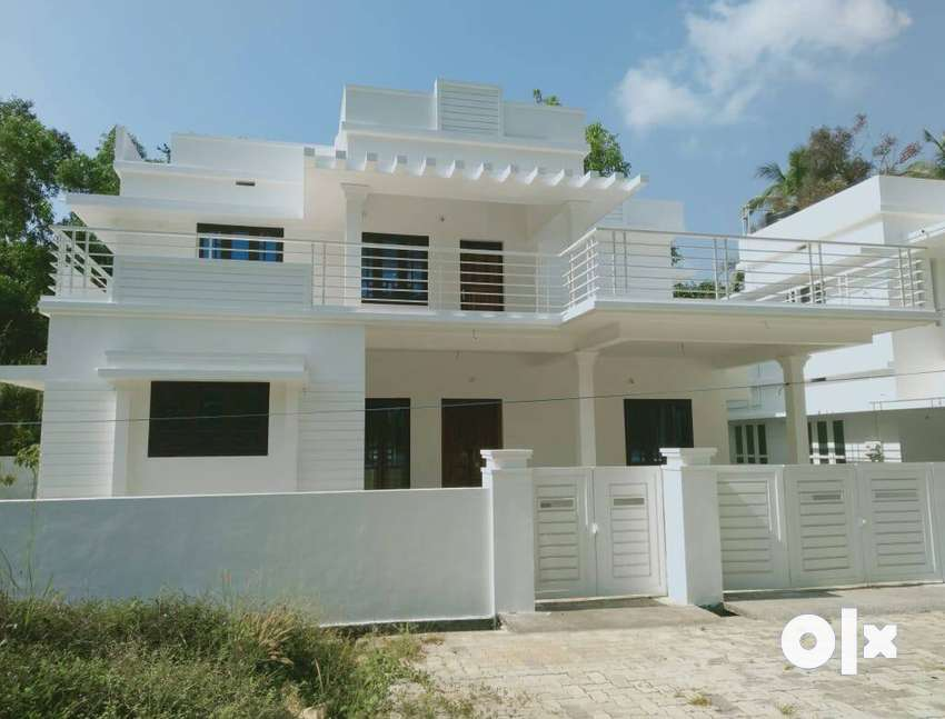 A SPACIOUS NEW 4BED ROOM 2100SQ FT 7.750CENTS HOUSE IN ADAT,THRISSUR 0