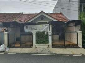 Rumah siap Huni Dekat Gatot subroto, Pejompongan