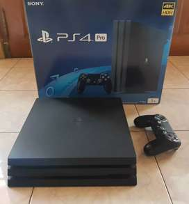 PS4 Pro 1 TB  isi game