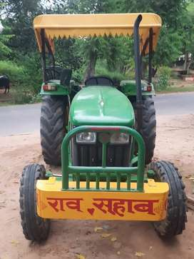 40%Tyre   good condition  service in one week all documents  complete