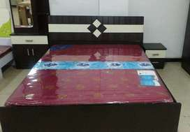 Bed and mattress with box .