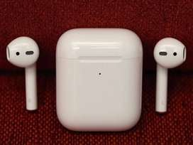 Superb Mint Condition of apple Air pods Latest Versions with bill, box
