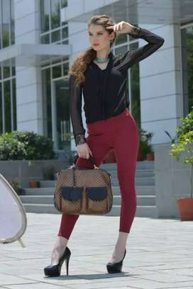 Urgently required smart girls for office assistant work