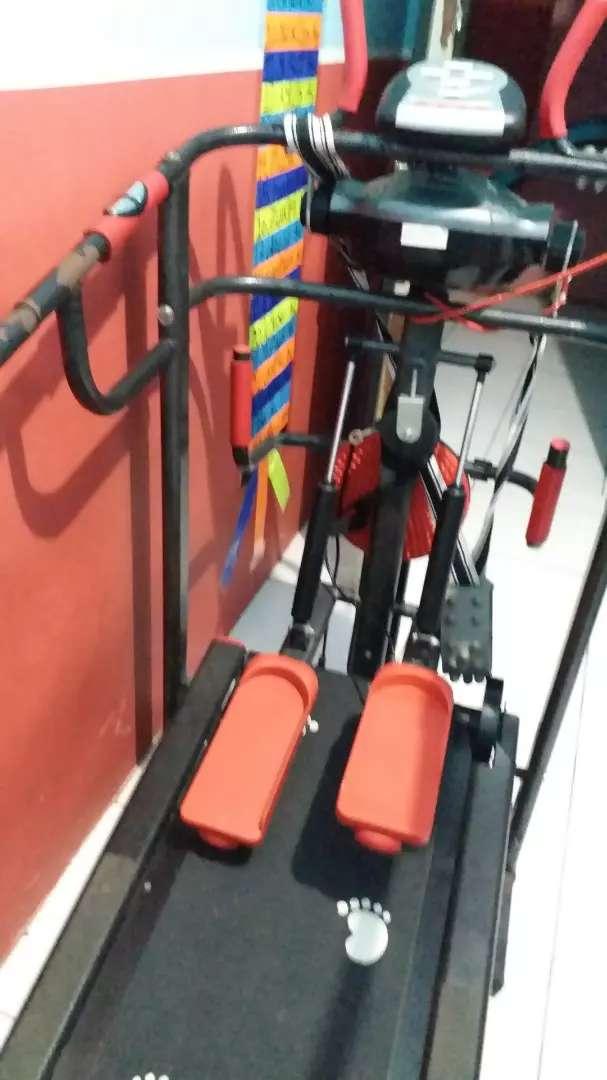 Treadmil alat olahraga - lari di tempat - sehat - kurus - treatmil