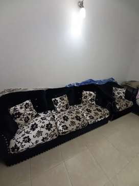 7 seater sofa set with cushions