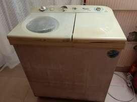 Whirlpool semi automatic 6 kg