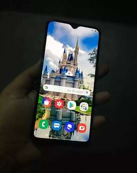 Samsung a30 64 GB 5 months old and good condition