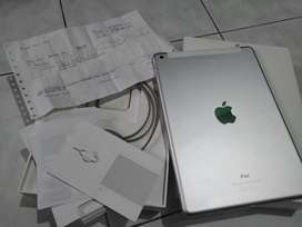Ipad 6 128GB Wifi Cellular ex IBOX