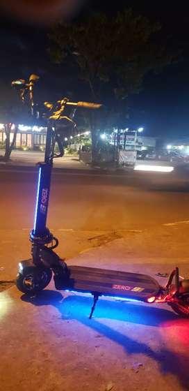 Scooter elektrik zero 9