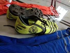Grass sturds shoes