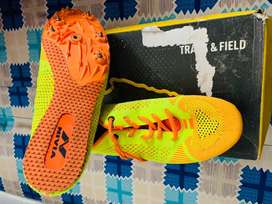 NIVIA RUNNING SPIKES SHOES