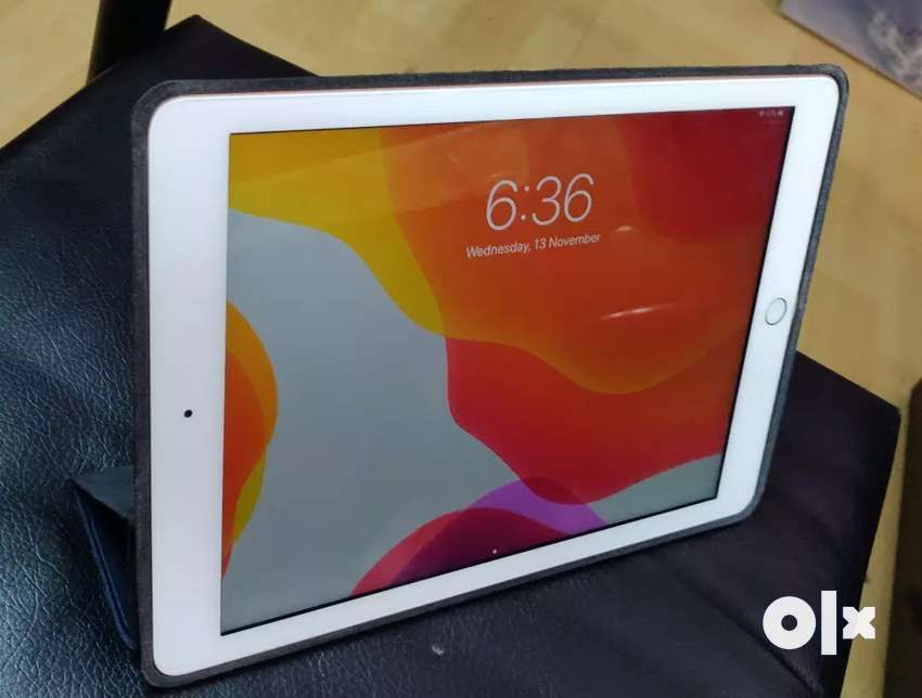 Ipad 6th generation. 32 gb. Gold colour 0