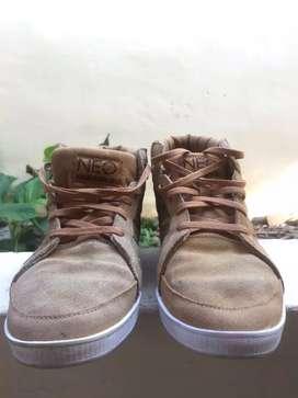 Sepatu Adidas Calneo Laidback original