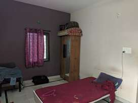 Looking for IT working flatmate to share 2 BHK flat.