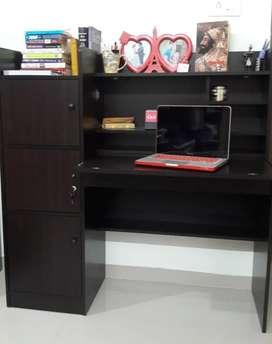 HomeTown Venus Engineered Wood Study Table in Wenge Color