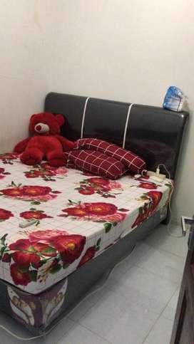 Dijual tempat tidur 6 kaki