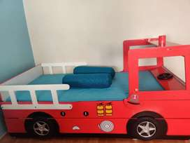 Kids Trundle Bed. Great condition