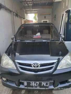 Toyota Avanza Full hitam tahun 2010