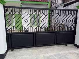 Mengerjakan kanopi pagar tralis balkon dan baja ringan