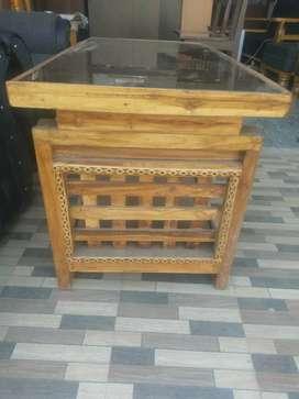 Saagon lavish black Glass Tea table