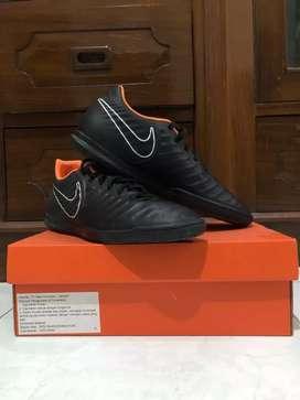 Sepatu Futsal Nike Tiempo X