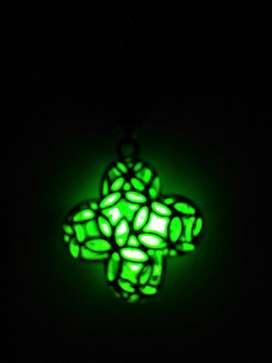 Kalung Glow in The Dark Hijau Menyala Perhiasan Wanita