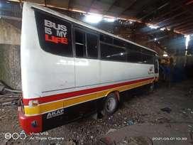Minibus putih hunday nego