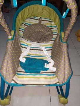 Boucher bayi Merk Baby Does