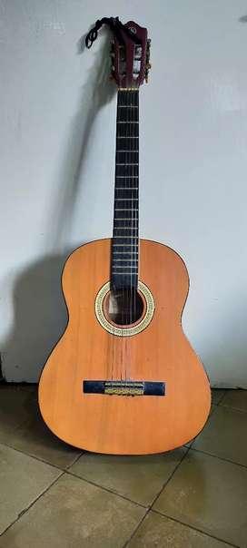 gitar Yamaha CG 235