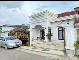 Rumah mewah strategis di Lampung