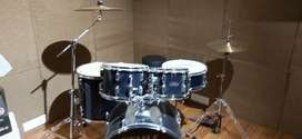 Tama 5 piece Drum set