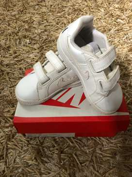 Sepatu nike kids size 22
