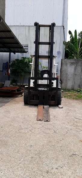 Forklift Mitsubishi 3T tahun 1998