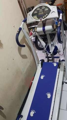 Treadmill manual dan pengecil perut