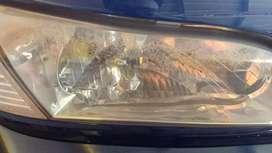 Jasa poles lampu mobil yang menguning