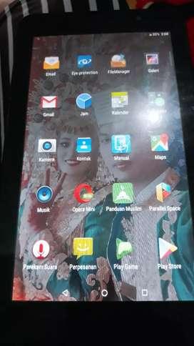 Tablet advan  i7