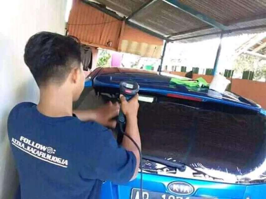 kaca film mobil dan gedung