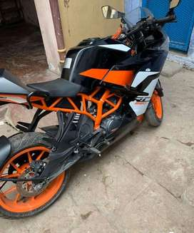 KTM RC 200 is to be sold.