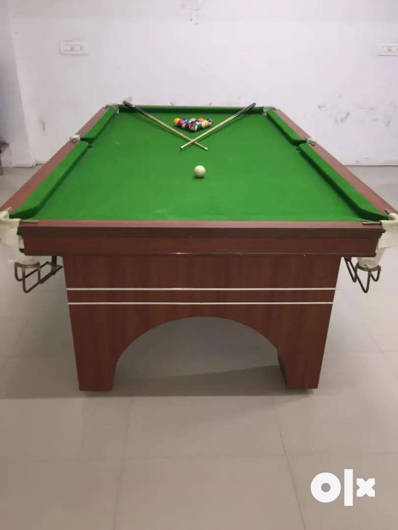 2 pool table 1 snooker table 0