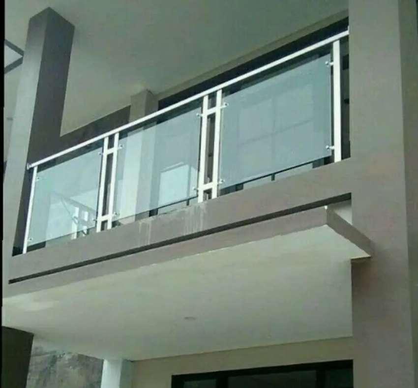 Kami bengkel las nerimah pemasangan balkon stanlis kaca $$1705