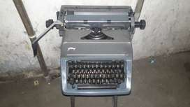 All kinds of typewriter