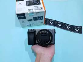 Kamera Mirrorless Sony Alpha A6000 Lensa Kit Mulus