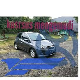 Kursus mengemudi manual metik
