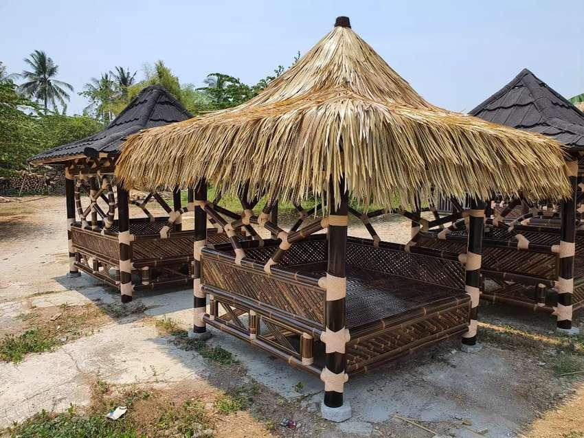 Saung gazebo gubuk pondok lesehan bambu
