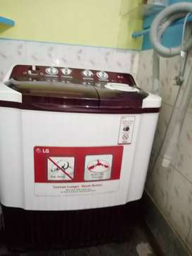LG semiautomatic washing mashine(in condition)