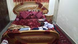 Beautiful bed set price is negotiable
