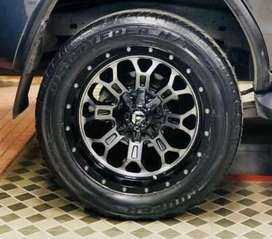 """20""""inch FUEL WHEELS AND IRON MAN LIFT KIT FOR FORTUNER SLIGHTLY USED"""